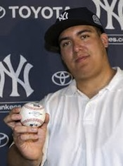 Derek Jeter's 3,000th-Hit Ball Returned By Fan 1