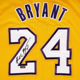 Kobe Bryant Signed Jersey Close-up