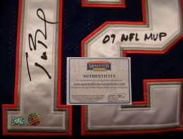 Tom Brady Signed Jersey w- LOA