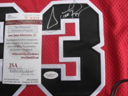 Scottie Pippen Basketball Cards and Autograph Memorabilia Guide 30