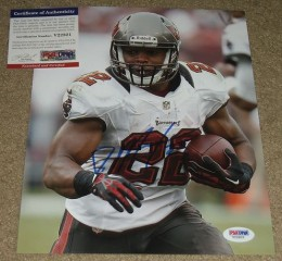 Doug Martin Signed Photo