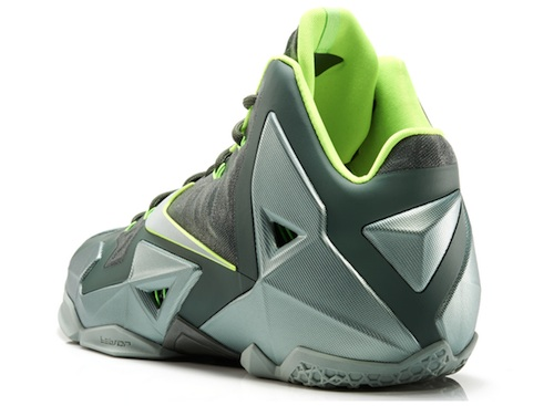 a0d042b7cdc Newest LeBron 11 Dunkman Continues Popular Colorway 2