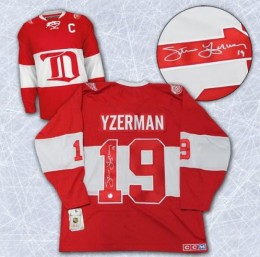 Steve Yzerman Cards, Rookie Cards and Autograph Memorabilia Guide 24