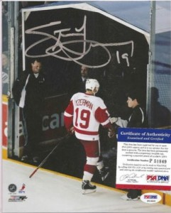 Steve Yzerman Cards, Rookie Cards and Autograph Memorabilia Guide 30