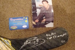 Joe Sakic Cards, Rookie Cards and Autographed Memorabilia Guide 24