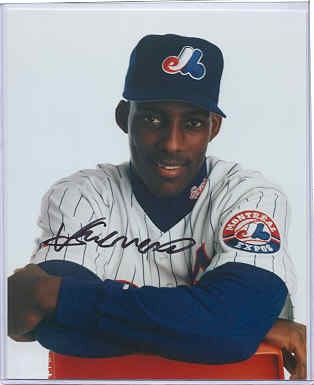 Vladimir Guerrero Rookie Cards and Autographed Memorabilia Guide 25
