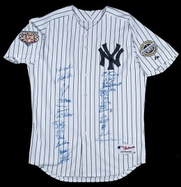 NY yankees team Signed Jersey