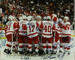 Detroit Red Wings Team Signed Photo