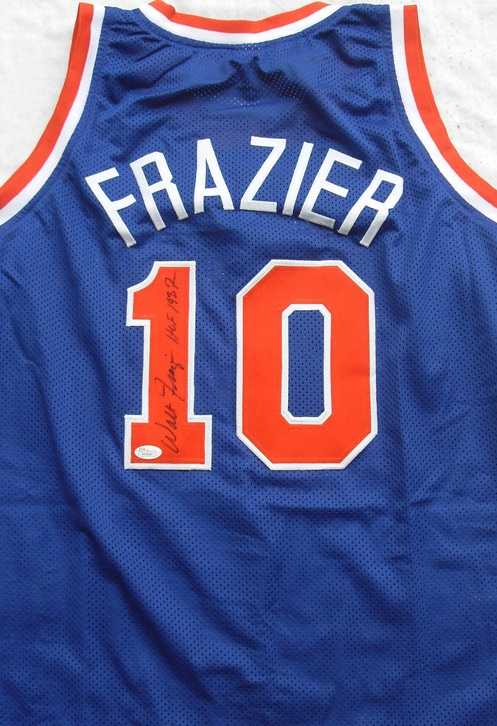 Ultimate New York Knicks Collector and Super Fan Gift Guide 4