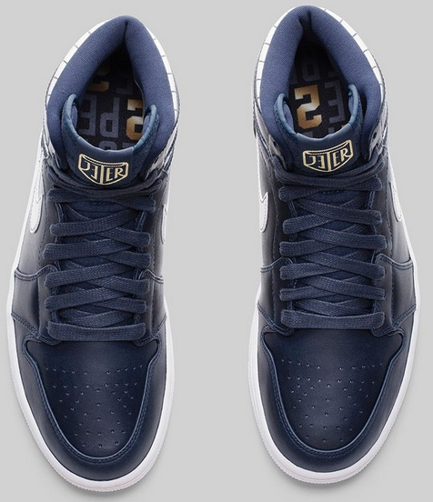 Air Jordan Retro 1 High Derek Jeter overhead