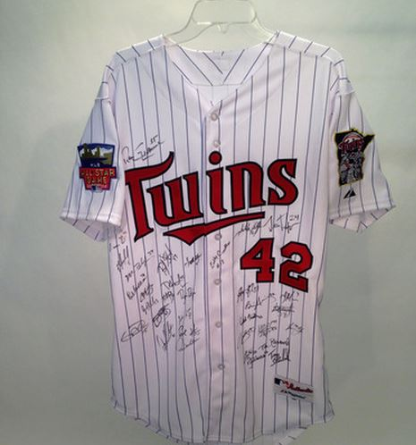 Minnesota Twins Team Signed Jersey