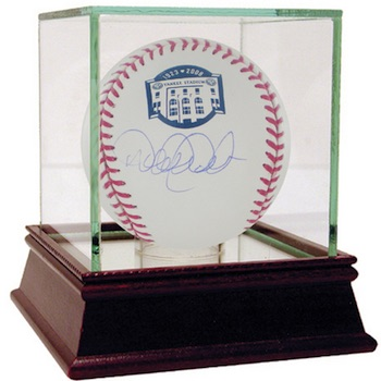 Ultimate New York Yankees Collector and Super Fan Gift Guide 8