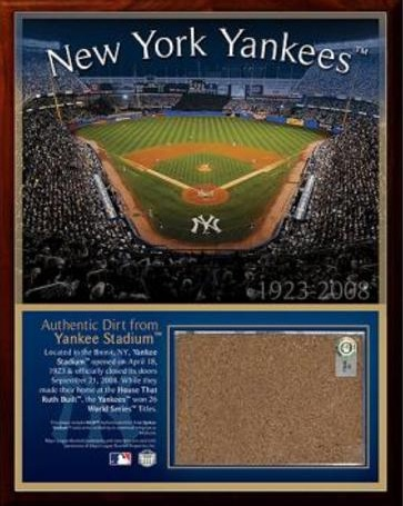 Ultimate New York Yankees Collector and Super Fan Gift Guide 10