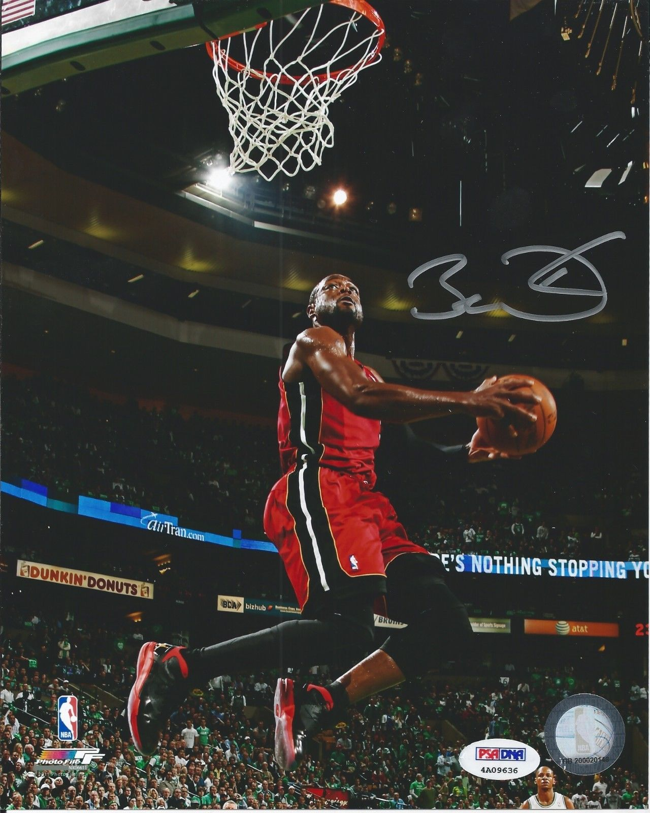 Dwyane Wade Rookie Cards and Autograph Memorabilia Buying Guide 28