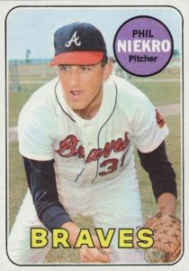 Top 10 Phil Niekro Baseball Cards 4