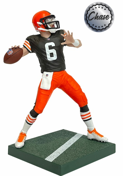 2021 Imports Dragon NFL Football Figures Gallery and Checklist 5