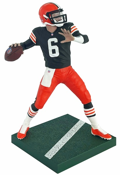2021 Imports Dragon NFL Football Figures Gallery and Checklist 4